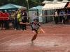 Reni Etimiri kämpft mit Ring und Wetter